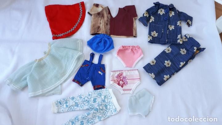 LOTE DE ROPA Y ACCESORIOS MUÑECAS AÑOS 70 (Juguetes - Vestidos y Accesorios Muñeca Española Moderna)