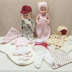 Vestidos Muñecas Españolas: LOTE NENUCO Y MOCOSETE + MULTITUD DE CONJUNTOS, VESTIDOS, ABRIGOS Y COMPLEMENTOS . AÑOS 70 'S. Lote 249073600