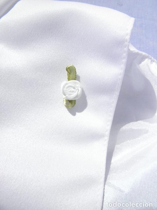 Vestidos Muñecas Españolas: Chaqueta de gala blanca de raso, para muñeca niña o reborn - Foto 2 - 253574860