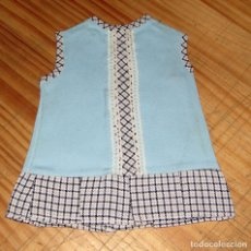 Vestidos Muñecas Españolas: ANTIGUO VESTIDO PARA MUÑECA - AZUL CON CUADROS - AÑOS 60 - NUEVO A ESTRENAR. Lote 257730230