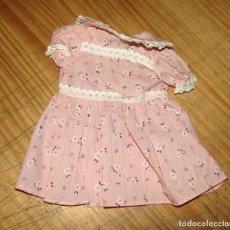 Vestidos Muñecas Españolas: ANTIGUO VESTIDO PARA MUÑECA - COLOR ROSA - AÑOS 70 - NUEVO A ESTRENAR. Lote 257748110