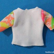 Vestidos Muñecas Españolas: == J03 - CAMISETA PARA BARBIE. Lote 262412285