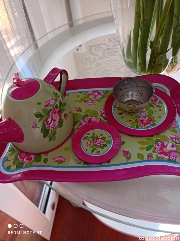 Vestidos Muñecas Españolas: Juego de té de lata de los 70 - Foto 2 - 267546219