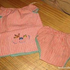 Vestidos Muñecas Españolas: ANTIGUO CONJUNTO PARA MUÑECO, MUÑECA O BEBE - BRAGA Y CAMISA - AÑOS 70 - NUEVO - ALGODON. Lote 269409598