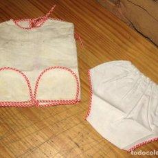 Vestidos Muñecas Españolas: ANTIGUO CONJUNTO PARA MUÑECO, MUÑECA O BEBE - BRAGA Y CAMISETA - AÑOS 70 - NUEVO - ALGODON. Lote 269414663