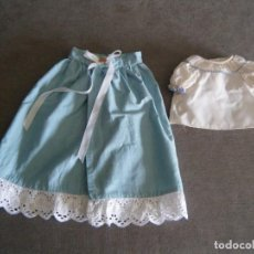 Vestiti Bambole Spagnole: FALDON AZUL + BLUSA DE NENUCO AÑOS 70. ETIQUETA FAMOSA Nº 50. Lote 272475248