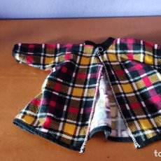 Vestidos Muñecas Españolas: ANTIGUO ABRIGO PARA MUÑECA. Lote 278370323