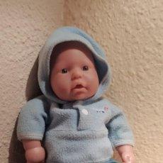 Vestidos Muñecas Españolas: MUÑECA ZAPF CREATION 2000 D96467 ROEDENTAL. Lote 283467723