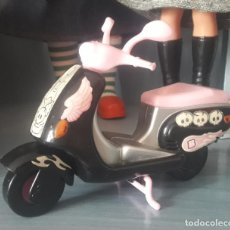 Vestiti Bambole Spagnole: MOTO VESPA DE BARRIGUITAS. FAMOSA. Lote 287786883