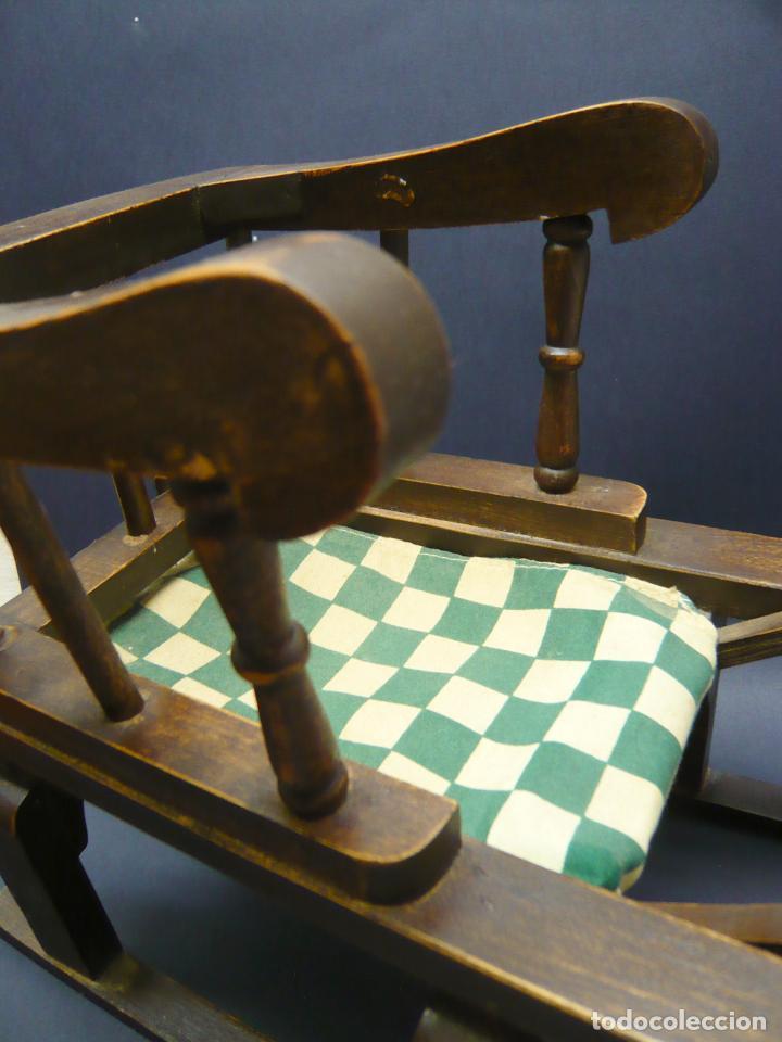 Vestidos Muñecas Españolas: Bella silla trineo de madera para muñeca altura Nancy aprox. - Foto 3 - 293583098