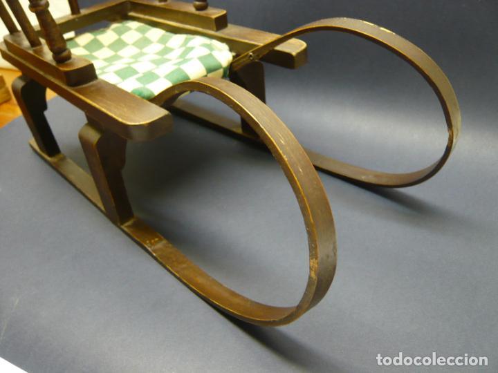 Vestidos Muñecas Españolas: Bella silla trineo de madera para muñeca altura Nancy aprox. - Foto 5 - 293583098