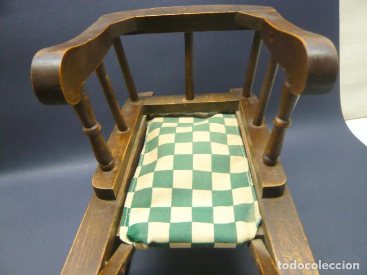 Vestidos Muñecas Españolas: Bella silla trineo de madera para muñeca altura Nancy aprox. - Foto 8 - 293583098
