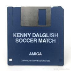 Videojuegos y Consolas: KENNY DALGLISH SOCCER MATCH COPYRIGHT IMPRESSIONS 1989 RETRO FUTBOL DISKETTE 3½ CBM COMMODORE AMIGA. Lote 253042990