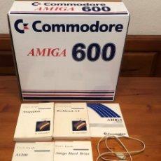 Videojuegos y Consolas: LOTE CAJA, MANUALES Y RATÓN COMMODORE AMIGA. Lote 272320208