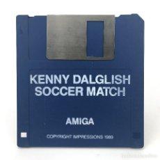 Videojuegos y Consolas: KENNY DALGLISH SOCCER MATCH COPYRIGHT IMPRESSIONS 1989 RETRO FUTBOL DISKETTE 3½ CBM COMMODORE AMIGA. Lote 288119703