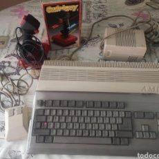 Videojuegos y Consolas: COMMODORE AMIGA 500, RATÓN, FUENTE, JOYSTICK.. Lote 295925348