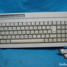 Videojuegos y Consolas: ANTIGUO TECLADO PARA ORDENADOR AMSTRAD 512 K . Lote 166998152