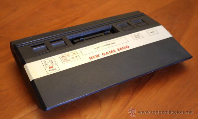 CONSOLA CLÓNICA TIPO ATARI NEW GAME 2600. (Juguetes - Videojuegos y Consolas - Atari)