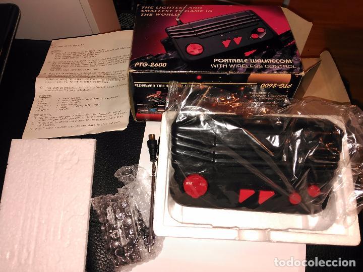 Videojuegos y Consolas: Consola clon atari ptg-2600 portable walkiecom nueva a estrenar con mando inalámbrico rarisima leer - Foto 9 - 88825812