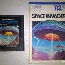 Videojuegos y Consolas: SPACE INVADERS ATARI DE 1980 CON MANUAL. Lote 94878011