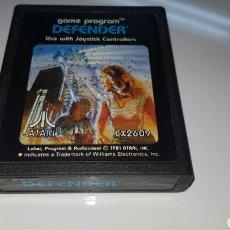 Videojuegos y Consolas: JUEGO DEFENDER ATARI ORIGINAL CARTUCHO. Lote 109832100
