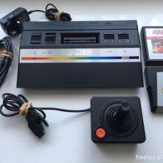 Videojuegos y Consolas: VINTAGE ATARI 2660 PATENTS PENDING- CONSOLA + JOYSTICK ORIGINAL + 2 JUEGOS. Lote 175972109