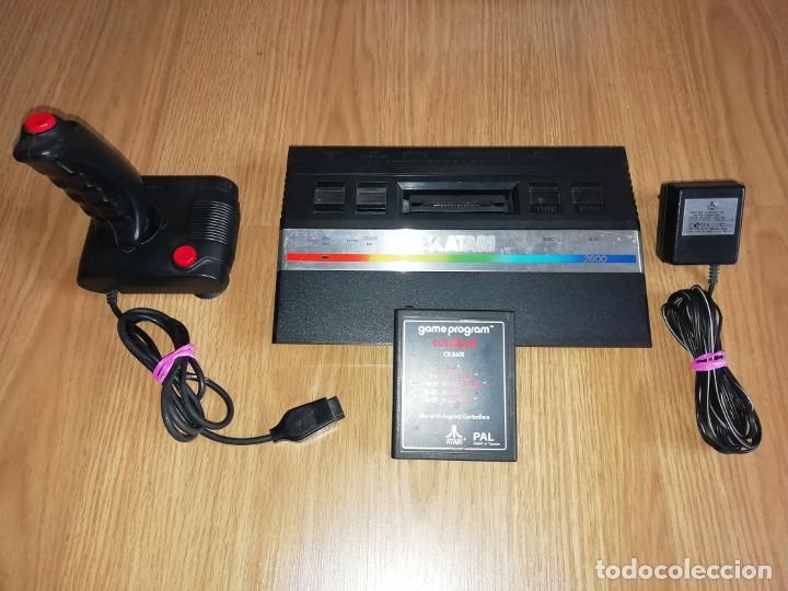 CONSOLA ATARI 2600 JR PAL CON MANDO Y JUEGO. PROBADA Y FUNCIONANDO (Juguetes - Videojuegos y Consolas - Atari)