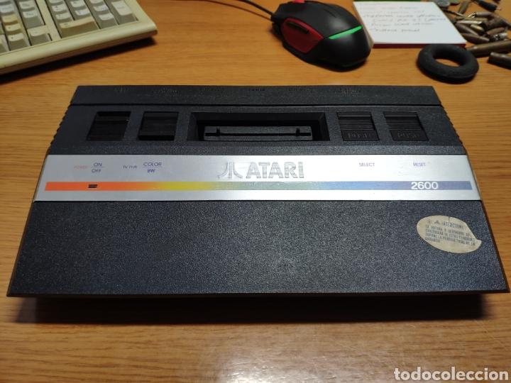 Videojuegos y Consolas: Antigua consola Atari 2600 mandos transformador acoplador - Foto 2 - 189197803