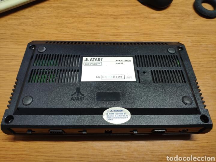 Videojuegos y Consolas: Antigua consola Atari 2600 mandos transformador acoplador - Foto 9 - 189197803