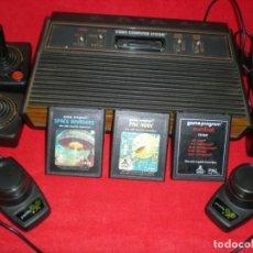 Videojuegos y Consolas: ATARI 2600 CON TRES JUEGOS Y CUATRO MANDOS. Lote 195096390