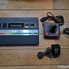Videojuegos y Consolas: ORIGINAL ATARI 2600 CON UN MANDO. Lote 219288252