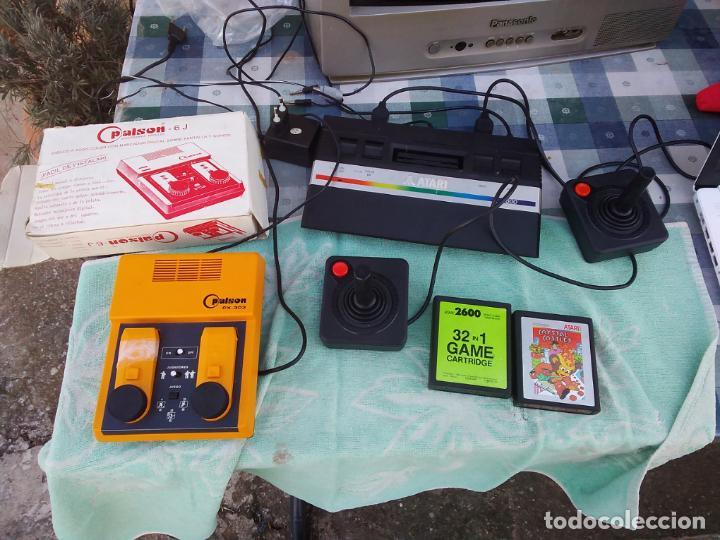 LOTE DE 2 CONSOLAS FUNCIONANDO: ATARI 2600 + MANDOS + CARTUCHOS Y PALSON CX. 303 (CON SU CAJA) (Juguetes - Videojuegos y Consolas - Atari)
