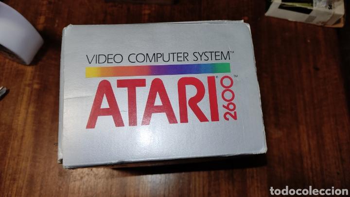 Videojuegos y Consolas: VIDEOCONSOLA ATARI 2600 - COMPLETO EN SU CAJA ORIGINAL FUNCIONANDO COMO NUEVA CON 32 JUEGOS EN UNO - Foto 6 - 260796610
