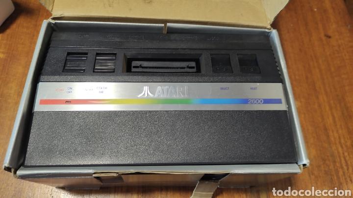 Videojuegos y Consolas: VIDEOCONSOLA ATARI 2600 - COMPLETO EN SU CAJA ORIGINAL FUNCIONANDO COMO NUEVA CON 32 JUEGOS EN UNO - Foto 4 - 260796610