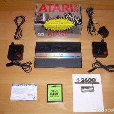 Videojuegos y Consolas: CONSOLA ATARI 2600 JUNIOR COMPLETA CON CAJA + 2 MANDOS + JUEGO 32 EN 1 (VERSION PAL-B ESPAÑOLA). Lote 277177358