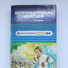 Videojuegos y Consolas: COMMODORE 64 VIDEOJUEGO CARTUCHO INTERNATIONAL SOCCER COMPLETO. Lote 128652871