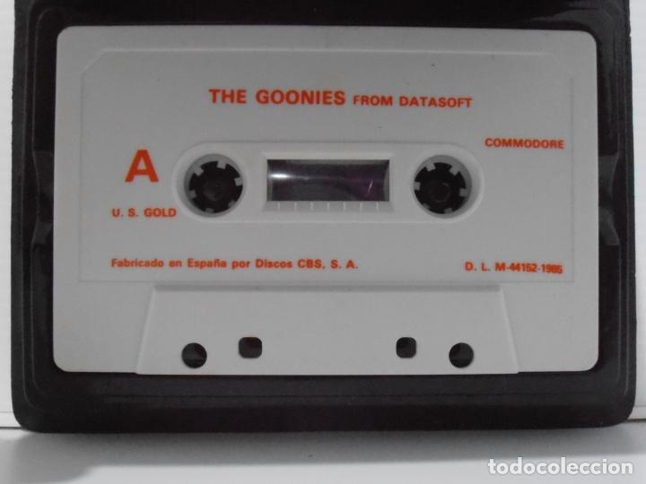 Videojuegos y Consolas: JUEGO COMMODORE 64, ESTUCHE RIGIDO, THE GOONIES, US GOLD, STEVEN SPIELBERG - Foto 2 - 167976076