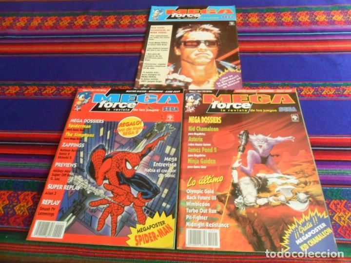 LA REVISTA DE LOS JUEGOS SEGA MEGA FORCE NºS 1 Y 6 CON PÓSTER Y FLYER CON REGALO. 1992. MBE. RARAS. (Juguetes - Videojuegos y Consolas - Sega - DreamCast)