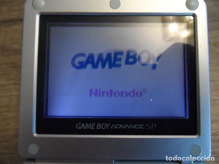 Videojuegos y Consolas: CONSOLA GAMEBOY ADVANCE SP PLATA AGS-001 + CARGADOR - Foto 3 - 191329797