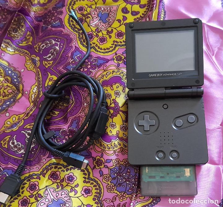 CONSOLA ADVANCE GAME BOY SP CON JUEGO V-RALLY CONSOLA NINTENDO COLOR NEGRO (Juguetes - Videojuegos y Consolas - Nintendo - GameBoy Advance)