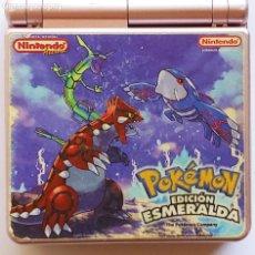 Videojuegos y Consolas: GAME BOY ADVANCE SP - NINTENDO MOD.AGS 001 - AÑO 2002 -POKEMÓN EDICION ESMERALDA- COLOR LILA CLARO. Lote 286987658