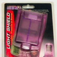 Videojuegos y Consolas: LIGHT SHIELD - PROTECTOR, LUZ Y PORTA JUEGOS [ NINTENDO GAMEBOY COLOR Y/O POCKET ] [NUEVO / BLISTER]. Lote 213894703