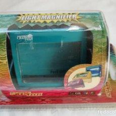Videojuegos y Consolas: NINTENDO GAME BOY COLOR LIGHT MAGNIFIER LUPA CON LUZ - NUEVO. Lote 235556320