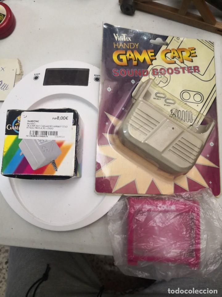 PACK 3 ACCESORIOS GAMEBOY COLOR LUPA,ALTAVOZ Y ADAPTADOR CARGADOR DE CORRIENTE (Juguetes - Videojuegos y Consolas - Nintendo - GameBoy Color)