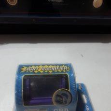 Videojuegos y Consolas: ACCESORIO LUPA CON LUZ PARA GAMEBOY GAME BOY A ESTRENAR. Lote 286001238