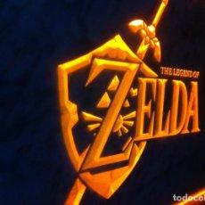 Videojuegos y Consolas: CARTEL LUMINOSO ZELDA THE LEGEND OF LINK OCARINA VIDEOJUEGO GAME BOY TRIFORCE SEGA PS1 PS2 COLOR WII. Lote 132167878