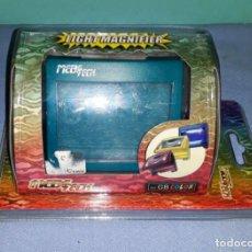 Videojuegos y Consolas: LIGHT MAGNIFIER COMPATIBLE CONSOLA GAME BOY COLOR ORIGINAL A ESTRENAR VER FOTOS Y DESCRIPCION. Lote 145748842