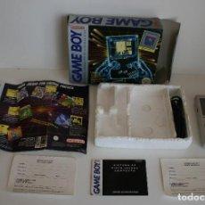 Videojuegos y Consolas: CONSOLA GAME BOY CLÁSICA CON CAJA Y CORCHO E INSTRUCCIONES. Lote 163496810