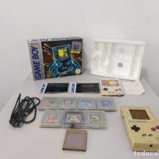 Videojuegos y Consolas: CONSOLA GAME BOY CLASICA EN CAJA CON JUEGOS. Lote 257289080