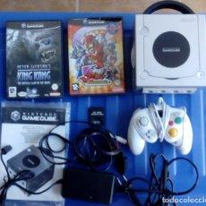 Videojuegos y Consolas: CONSOLA GAMECUBE + CABLES + TARJETA 8MB + MANDO + KING KONG + VIEWFUL JOE . Lote 80368457